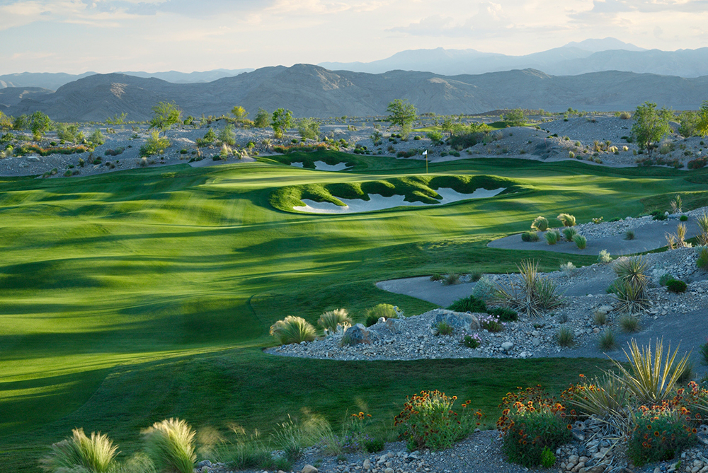 Coyote Springs Golf Club A Jack Nicklaus Signature Golf Course in Coyote Springs Nevada providing a premier golf experience to Henderson, Mesquite and Las Vegas hole #10 1000 pixel width